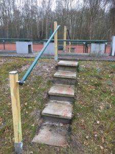 Treppe mit Handlauf